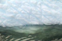 南极洲-漂浮在南冰洋的非表格冰山 免版税库存照片