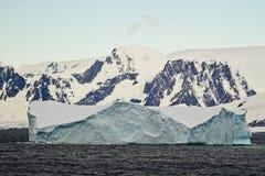 南极洲-表格冰山 库存图片