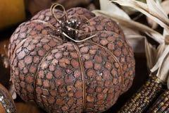南瓜和玉米感恩装饰的 免版税库存图片