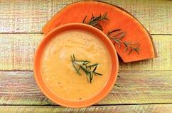 南瓜成熟甜和其他成份汤奶油 免版税库存图片