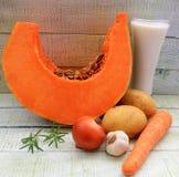 南瓜成熟甜和其他成份汤奶油 库存图片