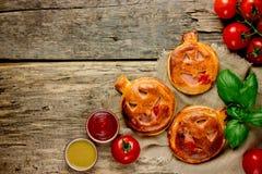 南瓜饼流行音乐馅饼 可口快餐在木ta的万圣夜 图库摄影