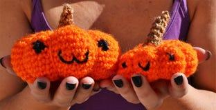 南瓜amigurumi钩针编织玩具 图库摄影
