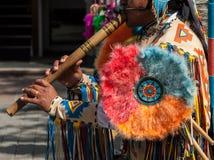 南美平底锅长笛音乐家 免版税图库摄影