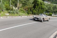南蒂罗尔Rallye 2016_Chevrolet轻武装快舰C2银色褐色 库存图片