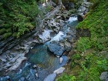 南部的入口向有起波纹的岩石的峡谷 库存图片