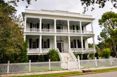 南部的样式豪宅 免版税库存照片
