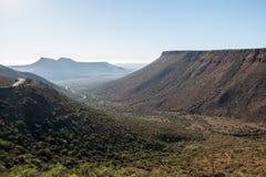 南部非洲的干旱台地高原国家公园山口风景 库存照片