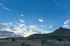 南部非洲的干旱台地高原日落 免版税图库摄影