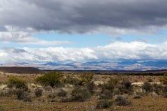 南部非洲的干旱台地高原的空的风景 图库摄影