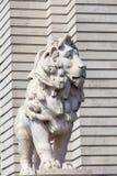 南银行狮子雕象,威斯敏斯特桥梁,伦敦,英国 图库摄影