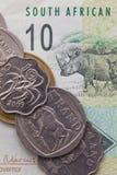 南非的田埂钞票和硬币  库存图片