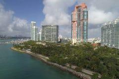 南Pointe公园迈阿密海滩的空中图象 库存照片