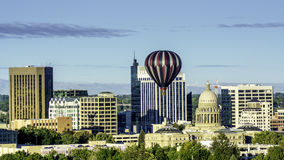 博伊西爱达荷地平线城市和热空气迅速增加 免版税图库摄影