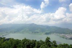 博克拉谷的Phewa湖 免版税库存图片