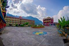 博克拉,尼泊尔- 2017年10月06日:西藏建筑学 萨迦派修道院是香客和游人目的地 其 免版税库存照片