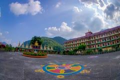 博克拉,尼泊尔- 2017年10月06日:西藏建筑学 萨迦派修道院是香客和游人目的地 其 库存照片