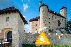 博博利采,波兰- 2017年8月13日:一个鬼魂标志的特写镜头在博博利采附近城堡的  免版税图库摄影
