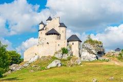 博博利采,波兰- 2017年8月13日:博博利采白色石中世纪城堡  库存照片