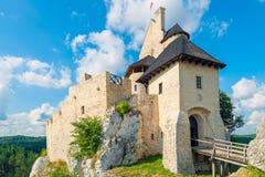 博博利采,波兰- 2017年8月13日:博博利采美丽的被恢复的城堡  库存照片