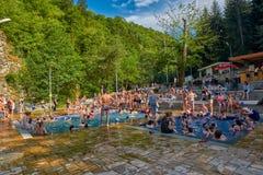 博尔若米,乔治亚- 2017年8月07日:在B的热量温泉城水池 免版税图库摄影