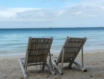 博拉凯海滩睡椅 免版税库存照片