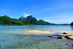 博拉博拉岛海岛山 免版税库存图片