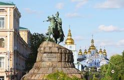 博格丹・赫梅利尼茨基的纪念碑索非亚广场的在Kyiv,乌克兰 库存图片