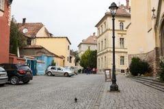 博物馆正方形在老镇在Sighisoara市在罗马尼亚 免版税库存图片