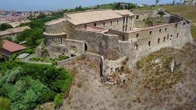 维博瓦伦蒂亚城堡的鸟瞰图 卡拉布里亚意大利 影视素材
