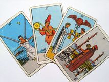占卜用的纸牌占卜隐密魔术 免版税库存照片