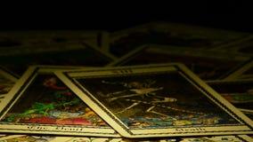 占卜用的纸牌,死亡和恶魔,自转的 影视素材