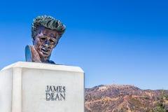 占士・甸雕塑在好莱坞Hills,加利福尼亚 免版税库存照片