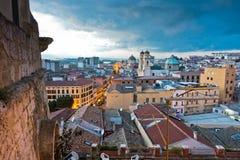 卡利亚里全景街市在日落在撒丁岛 库存照片