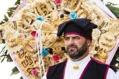 卡利亚里,意大利- 2017年5月1日:361 Sant ` Efisio -撒丁岛宗教队伍  库存照片