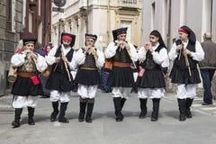 卡利亚里,意大利- 2013年5月1日:357 Sant ` Efisio -撒丁岛宗教队伍  库存图片