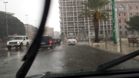 卡利亚里,意大利- 10月01 :洪水通过c的街道 免版税库存照片