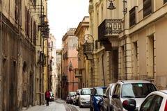 卡利亚里4月27日2017年,意大利 在卡利亚里老镇的看法  义卖市场 库存图片
