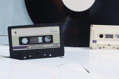 卡型盒式录音机和乙烯基 库存照片