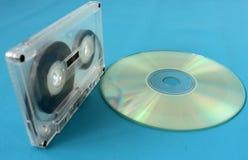 卡型盒式录音机和光盘 连接时间 免版税库存图片