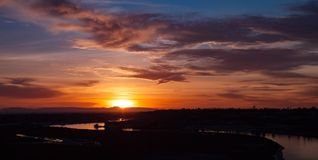 卡塔利娜海岛太阳光芒日落 库存照片