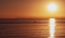 卡塔利娜海岛金黄日落视图 免版税库存图片