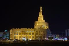 卡塔尔伊斯兰教的中心在晚上 库存图片