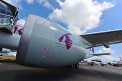 卡塔尔空中客车A350-900 XWB劳斯莱斯特伦特XWB引擎在新加坡Airshow 免版税库存图片
