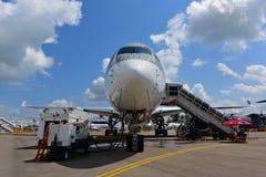 卡塔尔航空空中客车在显示的A350-900 XWB在新加坡Airshow 库存图片