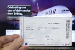 卡塔尔航空登舱牌 免版税图库摄影