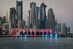 卡塔尔:多哈的商业中心 免版税库存照片
