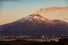 卡塔尼亚和埃特纳火山火山-西西里岛意大利 免版税库存照片