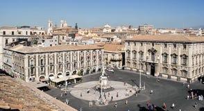 卡塔尼亚, `广场中央寺院`大广场,从上面看 免版税库存照片