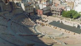 卡塔赫钠,西班牙-大约2017年11月:罗马剧院看法从康塞普西翁角城堡的  股票视频